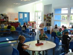 2 septembre - Ca y est ! C'est la rentrée et tout le monde est au rendez-vous. Que ce soit à Hatrize (ici, la grande section de maternelle, classe de Mme Mangenot) ...